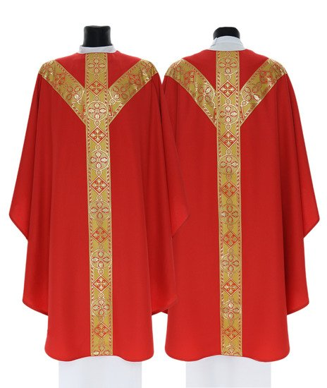 Red Semi Gothic Chasuble model 114